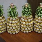 Ananas z láhve sektu a čokoládových bonbónů