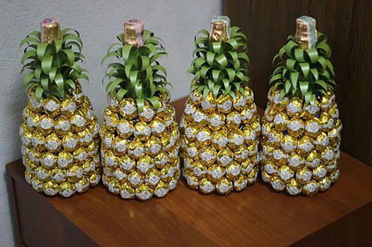 Как украсить торт на свадьбу мастикой, фруктами или шоколадом 25