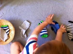 děti ponožky skládání