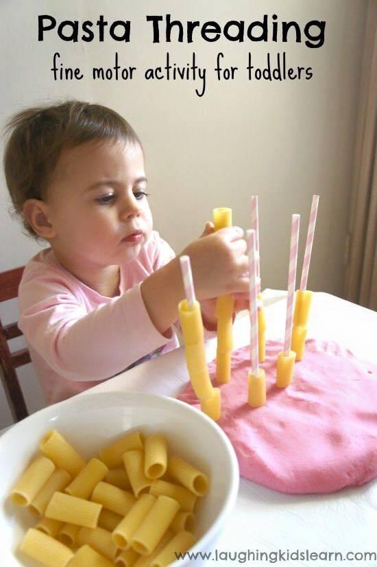 hračky z těstovin