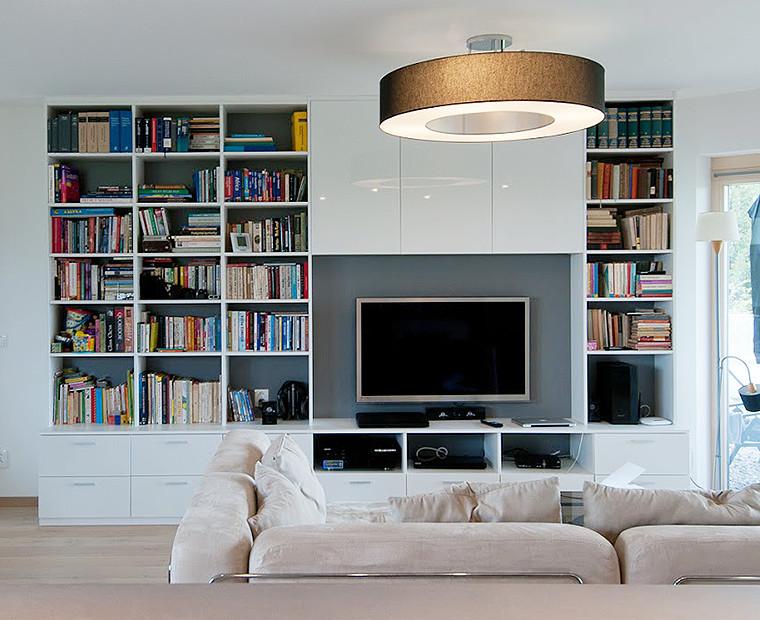 Obývací stěna s knihovnou dohromady.
