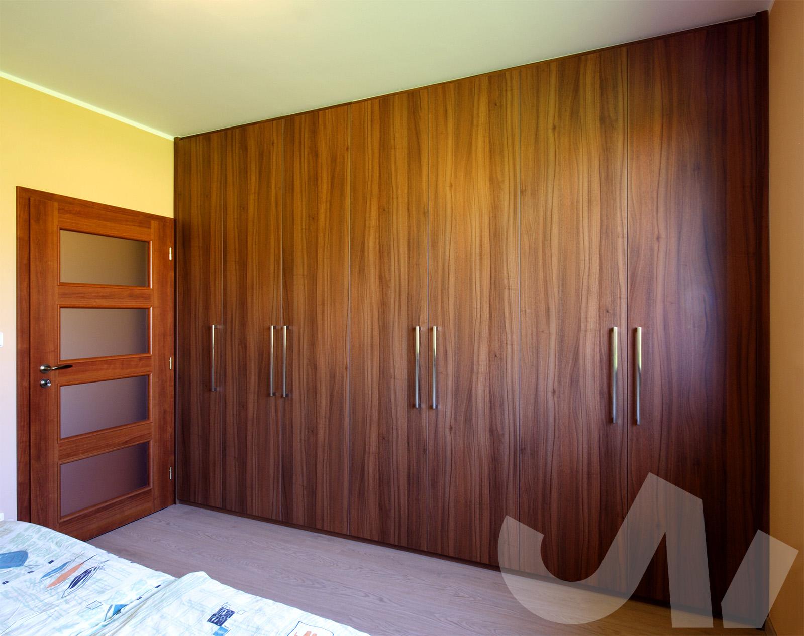 Pokud se vám do interiéru více hodí dekor dřeva, není problém.