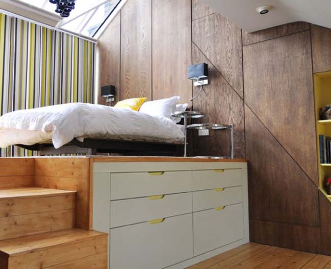 Perfektní využití místa pod postelí.
