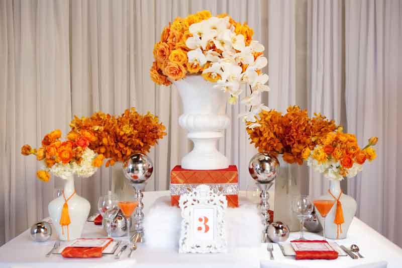 3.3 Oranžová výzdoba. Zdroj: blog.tbdress.com