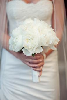 1.2 Bílá svatební kytice Zdroj: brides.com