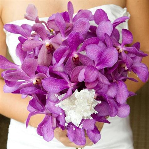 5.2 Úžasná svatební kytice. Zdroj: lalizarine.com