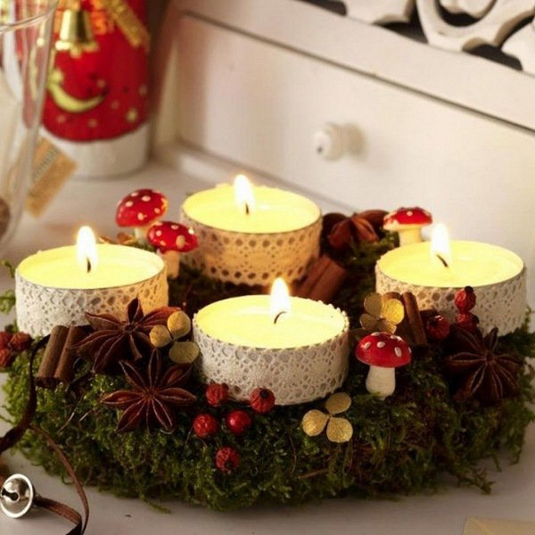 diy-christmas-wreath-ideas-tea-candles-mushrooms