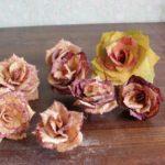 Jak vytvořit krásné růže z listí?